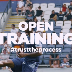 Embedded thumbnail for Thank you for coming to the open training, fans!