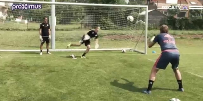 Embedded thumbnail for Training goalkeepers 02/07/2015