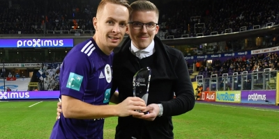 Embedded thumbnail for Maxime mocht de Proximus Player of the Month-trofee uitreiken!